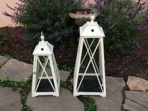 Ivory Stagecoach Lantern Set